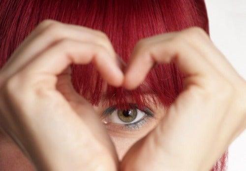 Serce z układu rąk