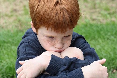 Obrażony chłopiec