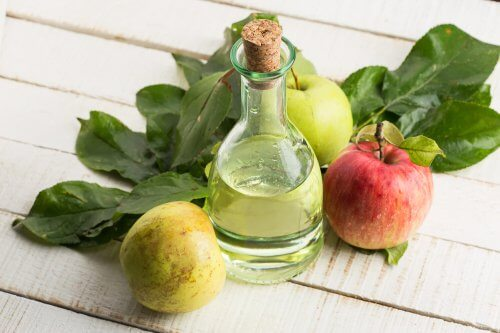 Naturalny ocet jabłkowy