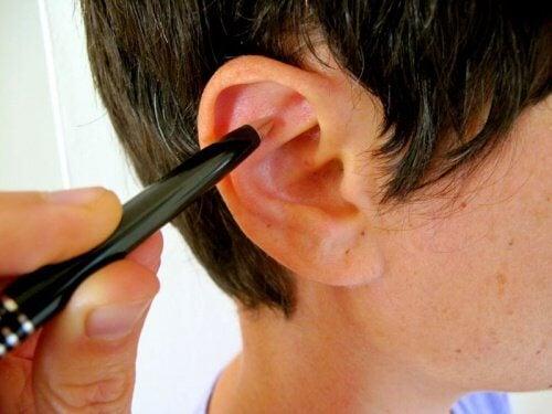 Jak złagodzić stres masażem ucha?