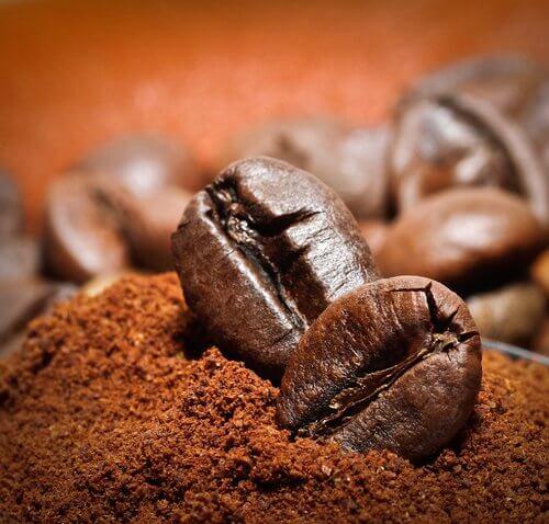 Ziarna naturalnej kawy
