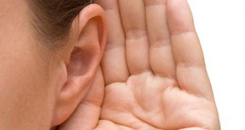 Szumy uszne — przyczyny i leczenie