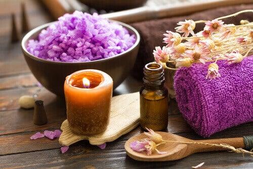 Aromaterapia - świeczka, sole i olejek
