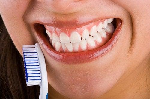 Białe i zdrowe zęby