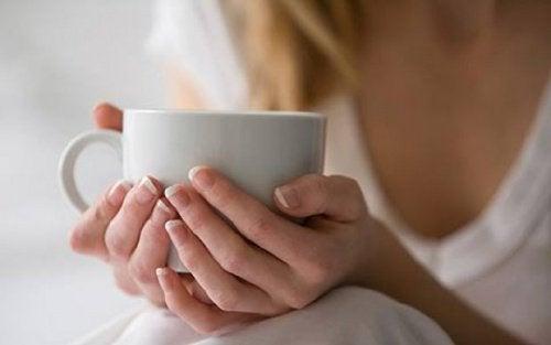 3 napary o działaniu leczniczym do picia na noc