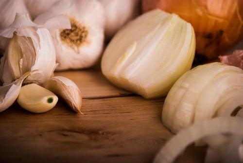 Czosnek i naturalne antybiotyki