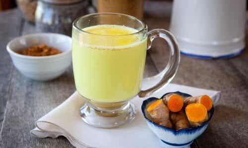 Złote mleko - napój, który odmieni Twoje życie!