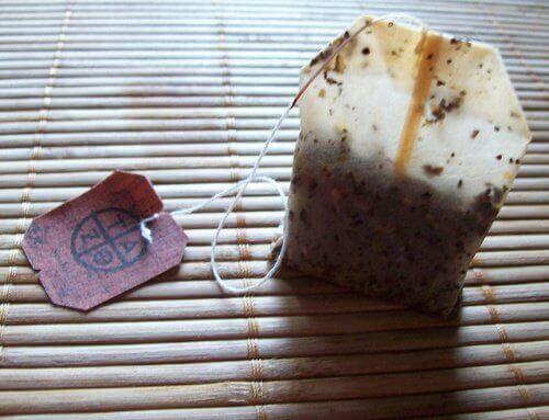 Zużyta torebka po herbacie