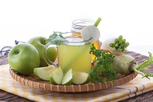 Sok jabłkowy na kamienie żółciowe