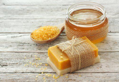 Mydło z marchwi i miodu