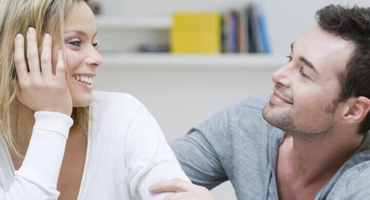 Rozmowa kobiety z mężczyzną
