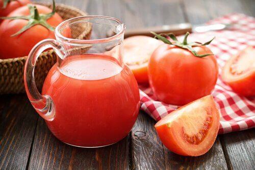 Soki z pomidorów
