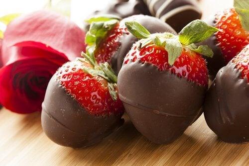 Truskawki w czekoladzie z kakao