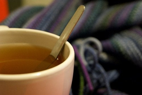 Herbata z piołunu sposobem na mrówki