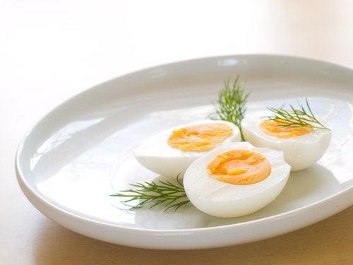 Jajka na talerzu