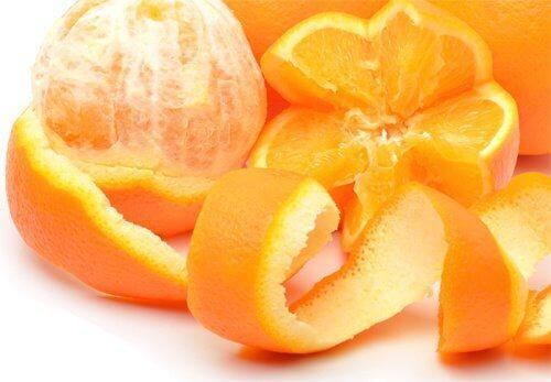 Skórka z pomarańczy - sposób na mrówki