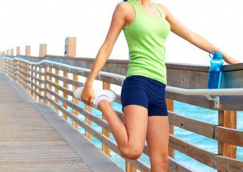 Rozciąganie mięśni uda