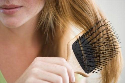 Szczotkowanie włosów