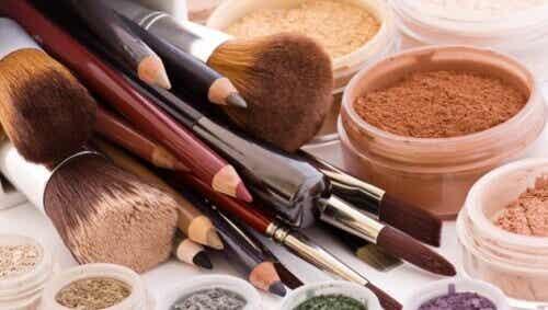 Pożyczanie 8 kosmetyków - Lepiej się nimi nie dziel