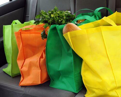 Materiałowe torby zastępują plastik