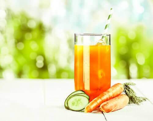 Sok z marchewki i ogórka