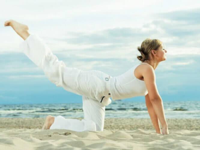 Ćwiczenia na biodra i talię