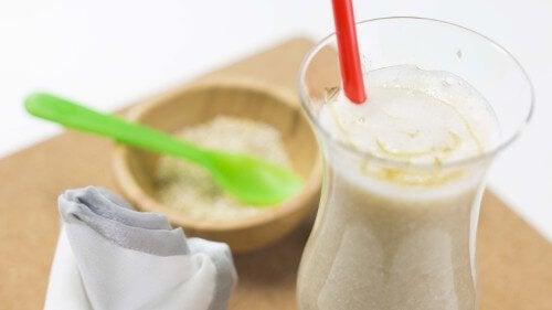 Owocowe napoje i koktajle na oczyszczenie