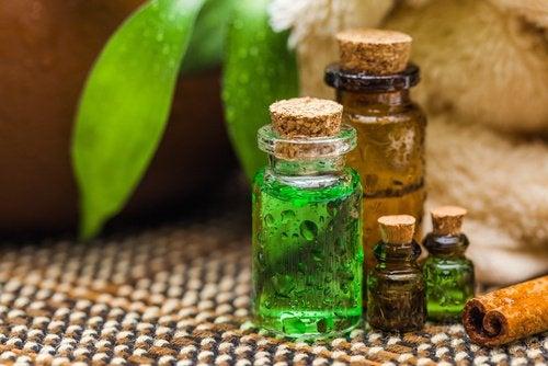 Słoiki z olejkami