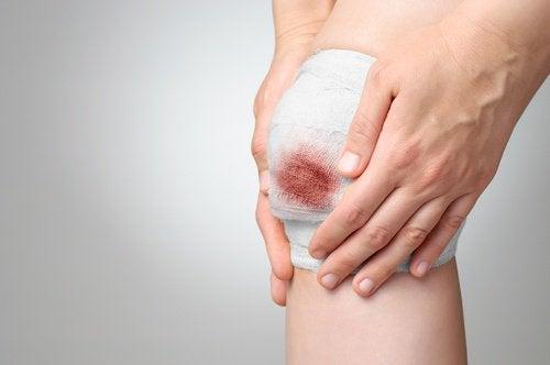 Zabandażowane kolano