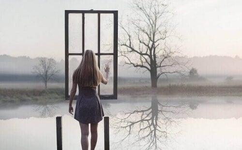 Kobieta przed oknem - depresja