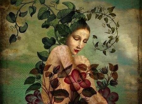 Kobieta na tle kwiatow