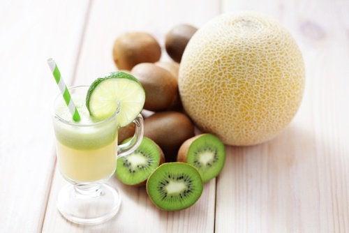 Sok z melona i kiwi