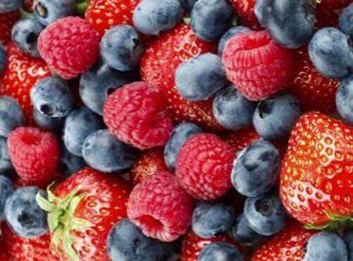 Truskawki, jagody i maliny