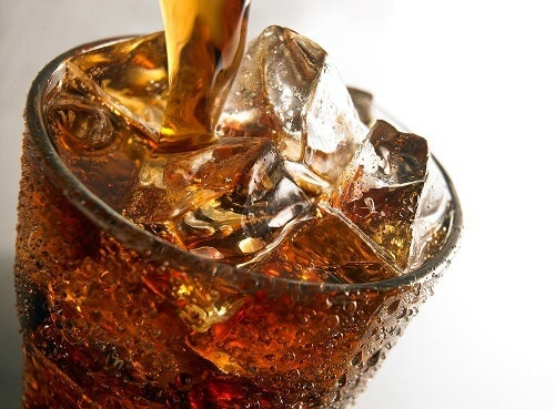 Zimny napój z lodem