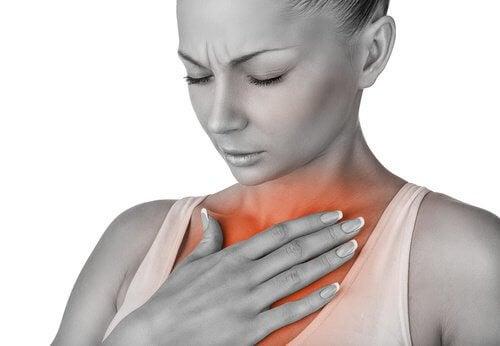 Ból w klatce piersiowej