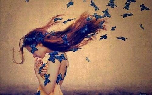 Kobieta motyle