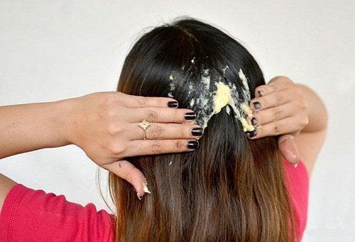 Zniszczone włosy - maseczka