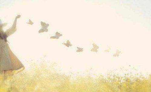 Dziewczynka z motylami