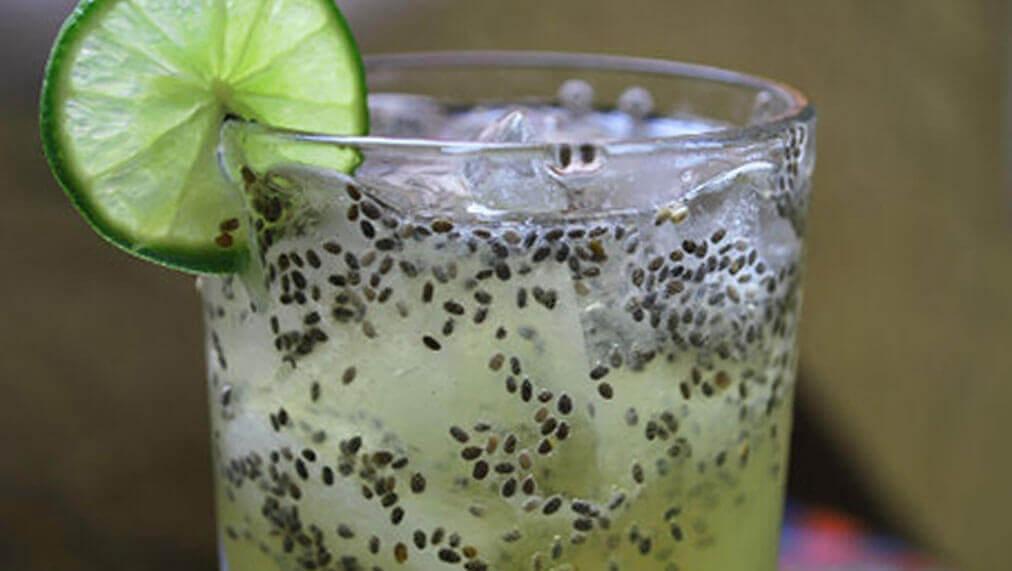 Odżywczy napój z nasionami chia