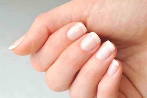 Wypielęgnowane paznokcie