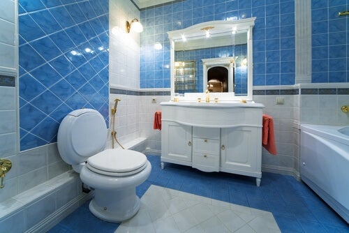Mała łazienka? –  poznaj 13 ciekawych pomysłów na jej zagospodarowanie!