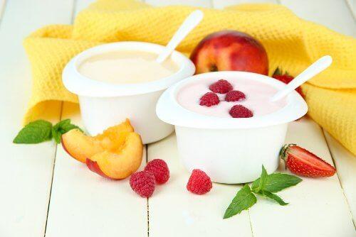 Jogurt z malinami