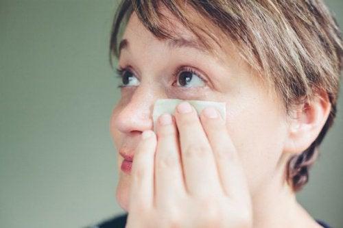 Okład na opuchnięte powieki