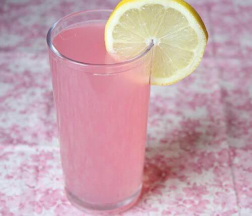 Różowa lemoniada