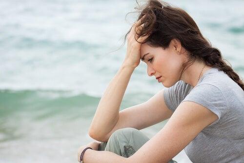 Smutna kobieta - żałoba