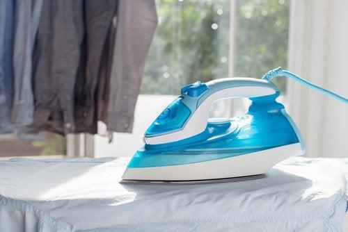 Zastosowanie pasty do zębów w czyszczeniu żelazka