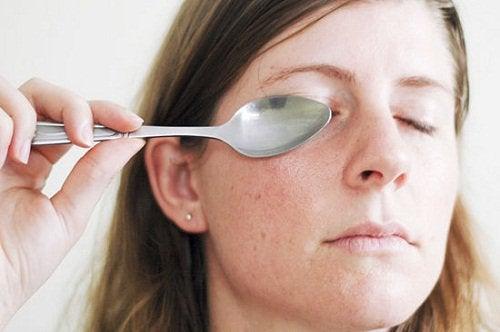 Łyżka na oko