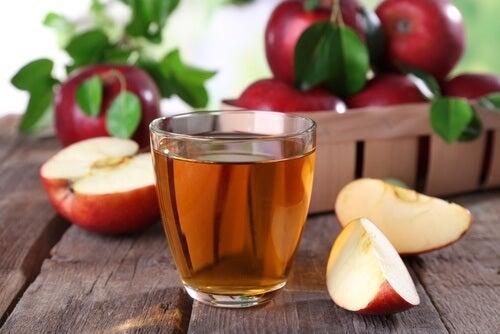 sok jabłkowy i ocet jabłkowy