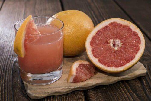 Szklanka soku z grejpfruta na odchudzanie