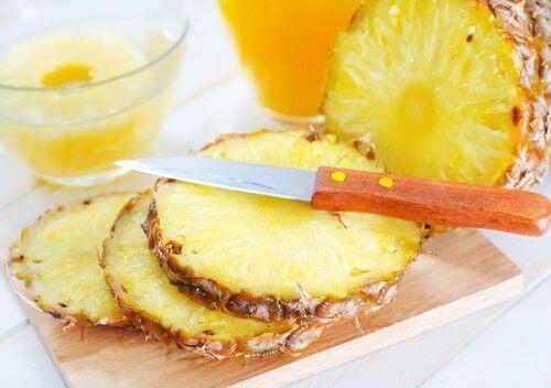 Plastry ananasa